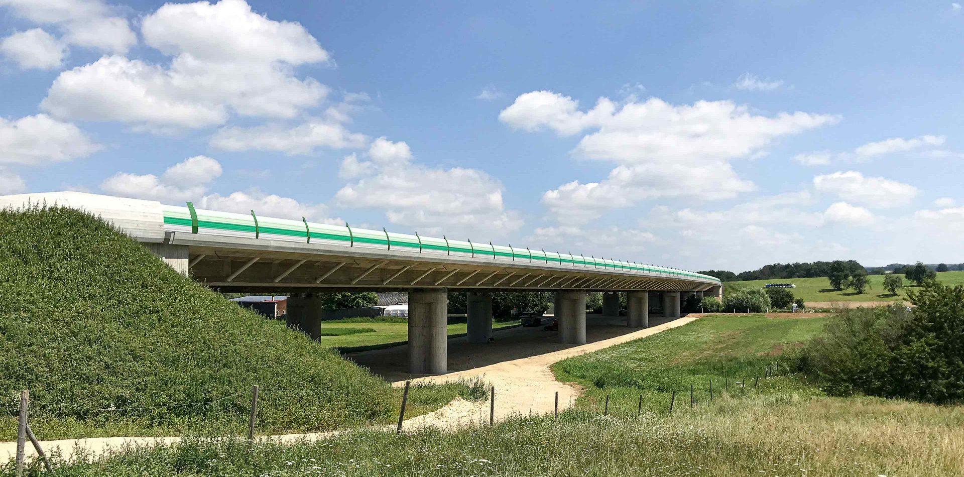 BW7 Valley Bridge